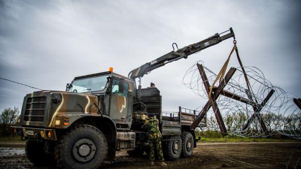 Έβρος: Κατασκευάζονται αποτρεπτικά εμπόδια - Οι νέες ενέργειες για αποτροπή εισόδου (φώτο)