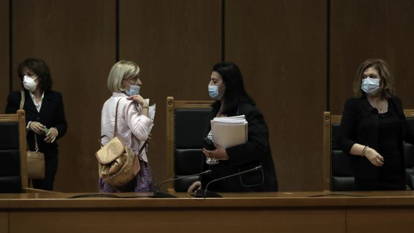 Δίκη Χρυσής Αυγής: Διακόπηκε η συνεδρίαση-Πέμπτη πιθανή ανακοίνωση απόφασης αναστολών