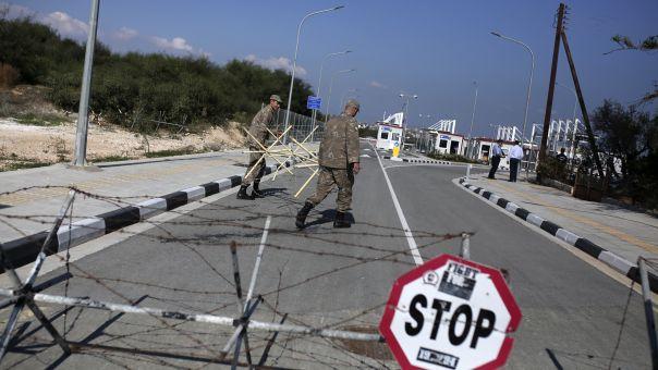DW: Πιο κοντά τα σενάρια διχοτόμησης της Κύπρου μετά την εκλογή Τατάρ