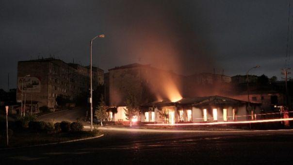 Ναγκόρνο Καραμπάχ: Σφοδροί βομβαρδισμοί σημειώθηκαν τη νύχτα στο Στεπανακέρτ