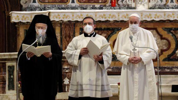 Ιταλία: Ο Φραγκίσκος μαζί με Βαρθολομαίο - Ο Πάπας φόρεσε μάσκα για 1η φορά δημοσίως (pics)