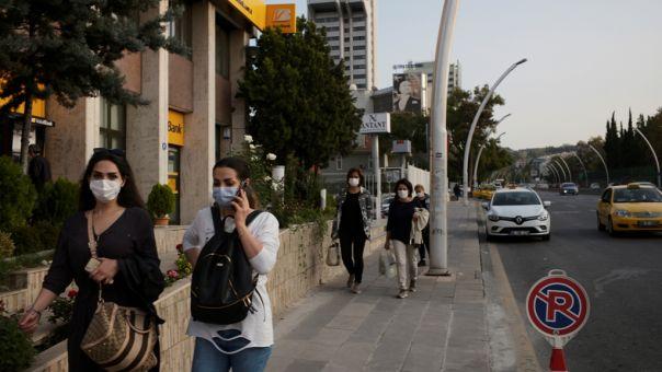 Τουρκία-Κορωνοϊός: Για πρώτη φορά μετά τον Ιούλιο ανακοιώθηκε αριθμός ασυμπτωματικών