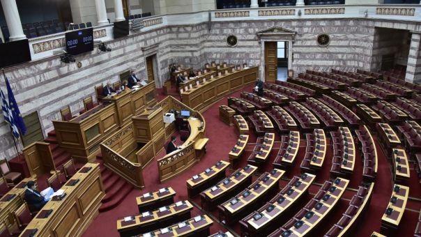 Σφοδρή σύγκρουση ΣΥΡΙΖΑ-ΝΔ για το ΕΣΡ και τα περί παραίτησης του Προέδρου του