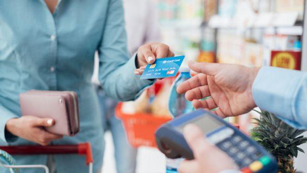 Έρευνα Visa: Οι Έλληνες προτιμούν τον βιομετρικό έλεγχο των καρτών για τις αγορές τους