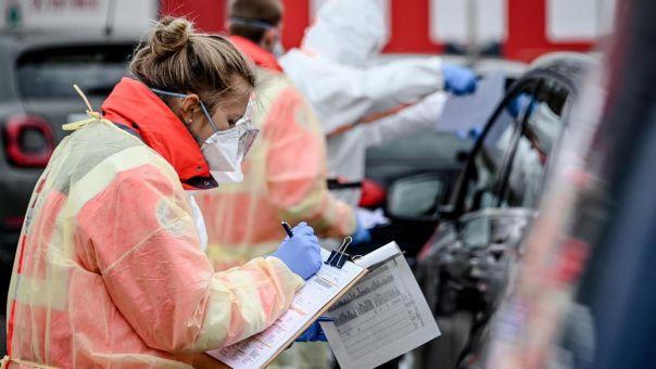 Κορωνοϊός: Ηφαίστειο έτοιμο να εκραγεί- Τι λέει Γερμανός καθηγητής για την πανδημία