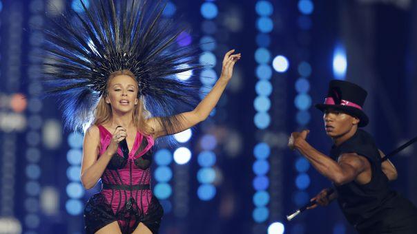 Η Κάιλι Μινόγκ και το «γυμνό» φόρεμα που τρέλανε κόσμο (pic)