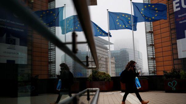 Κορωνοϊός: Το 34% των ενηλίκων στην ΕΕ έχουν λάβει τουλάχιστον μία δόση εμβολίου
