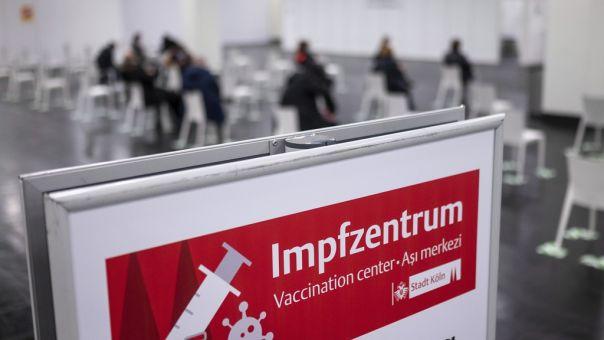 Γερμανία: Μέχρι τον Απρίλιο ελλείψεις σε εμβόλια- Σε ποιους ταξιδιώτες επιβάλλει περιορισμούς