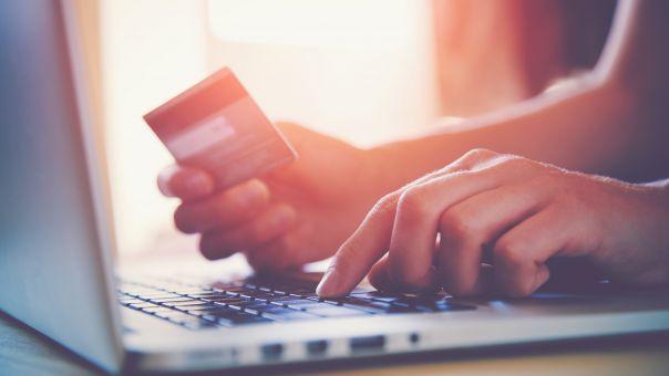 Τράπεζες: 10 χρήσιμες συμβουλές για ασφαλείς ηλεκτρονικές συναλλαγές