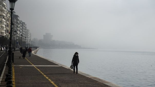 Θεσσαλονίκη: Στον δρόμο, σε συνθήκες παγετού, εντοπίστηκαν δύο 13χρονα προσφυγόπουλα