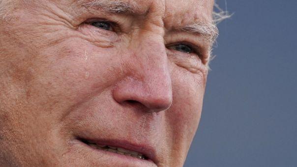 ΗΠΑ: Με δάκρυα στα μάτια, ο Τζο Μπάιντεν αναχώρησε για την Ουάσινγκτον