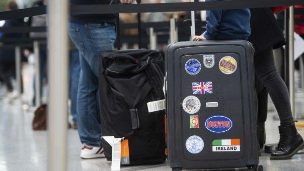 Bρετανία: Άρση απαγόρευσης διεθνών ταξιδιών αναψυχής στις 17 Μαΐου - Στην πορτοκαλί λίστα η Ελλάδα
