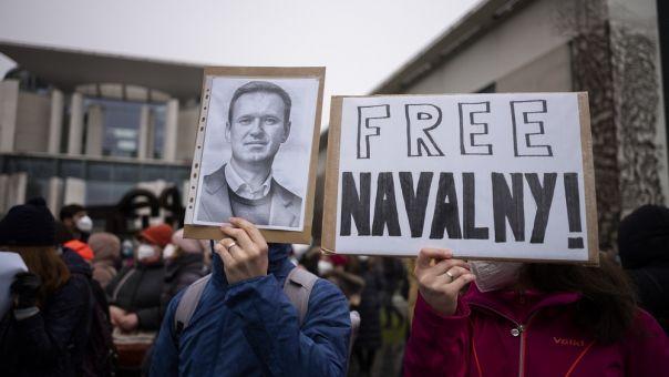 Διπλό χτύπημα κατά Ρωσίας με κυρώσεις από ΕΕ και ΗΠΑ λόγω Ναβάλνι