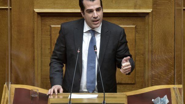 «Σφαγή» Σκουρλέτη - Πλεύρη στη Βουλή με φόντο την τρομοκρατία και τη Δημοκρατία