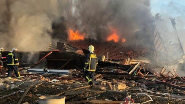 Καστοριά: Σε εξέλιξη οι έρευνες της Πυροσβεστικής για την έκρηξη που ισοπέδωσε το ξενοδοχείο