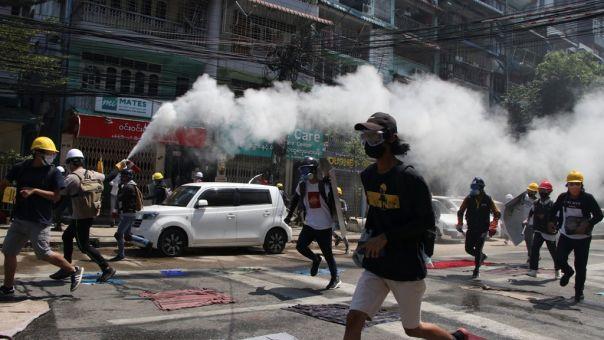 Μιανμάρ: Δυνάμεις ασφάλειας σκότωσαν πάνω από 80 διαδηλωτές κατά του πραξικοπήματος
