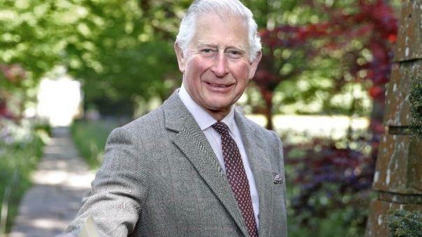 «Αντίο μπαμπά, θα μου λείψεις»: Ο Κάρολος αποτίει φόρο τιμής στον πρίγκιπα Φίλιππο