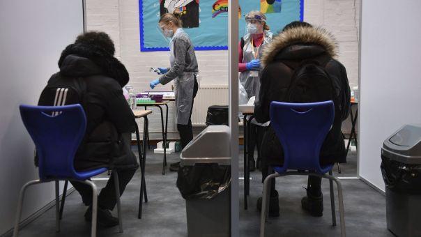 Συνεχίζεται η μείωση νοσηλευόμενων φορέων και θυμάτων Covid στο Ηνωμένο Βασίλειο