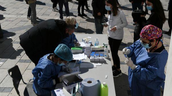 ΕΟΔΥ: Τα σημεία μαζικών δειγματοληψιών για κορωνοϊό τη Δευτέρα