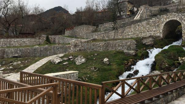 Ιωάννινα: Πώς η «δύναμη του νερού» δίνει ζωή στο Ανθοχώρι Μετσόβου