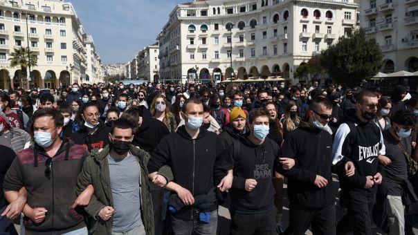 Θεσσαλονίκη: Συγκεντρώσεις και πορείες διαμαρτυρίας για αστυνομική βία και νόμο για πανεπιστήμια