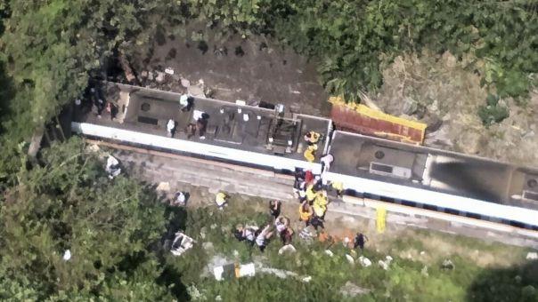 Ταϊβάν: Τουλάχιστον 51 νεκροί από εκτροχιασμό αμαξοστοιχίας