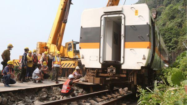 Σιδηροδρομικό δυστύχημα-Ταϊβάν: Εισαγγελείς ζήτησαν ένταλμα σύλληψης του διευθυντή εργοταξίου για το φορτηγό