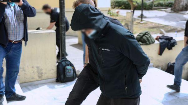 Ποινική δίωξη για κακούργημα στον συλληφθέντα για την επίθεση σε έγκυο με καυστικό υγρό