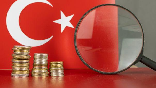 Τουρκία: Χαμηλό Απριλίου κατέγραψε η λίρα- «Ξεπουλάνε» τα κρατικά ομόλογα σε δολάριο