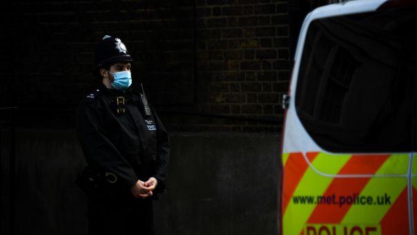 Αναστάτωση στο Λονδίνο - Συνελήφθη άνδρας με τσεκούρι στη λεωφόρο The Mall