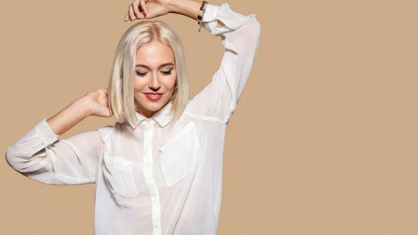 Αυτά τα 10 outfits αποδεικνύουν ότι το λευκό πουκάμισο θα είναι πάντα στα SOS