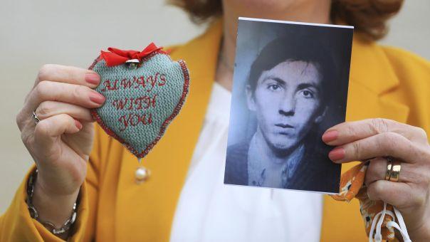 Τζόνσον: Συγγνώμη για τους αιματηρούς πυροβολισμούς του 1971 στη Βόρεια Ιρλανδία