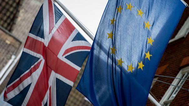 Το Λονδίνο χορηγεί πλήρες διπλωματικό καθεστώς στον πρέσβη της Ε.Ε.