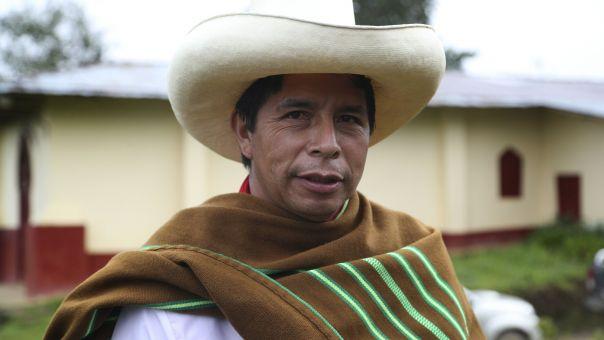 Περού: Aμφίρροπη αναμέτρηση στον β' γύρο των εκλογών για Καστίγιο-Φουχιμόρι