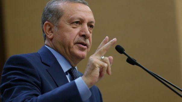 Παράπονα Ερντογάν και στη μπάλα: «Πολιτική απόφαση η αλλαγή της έδρας του τελικού του CL»