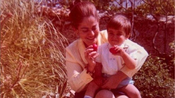 Ο Κυριάκος Μητσοτάκης τιμά τη μητέρα του: Μου λείπεις πάντα...