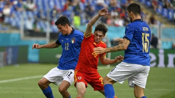 Πρώτη με ρεκόρ η Ιταλία (1-0 την Ουαλία)