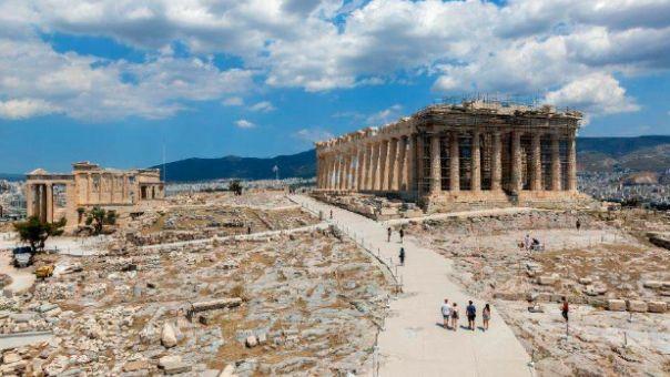 Μενδώνη: Οι διαδρομές στην Ακρόπολη πριν και μετά την απόκατάστασή τους (φωτό - video)