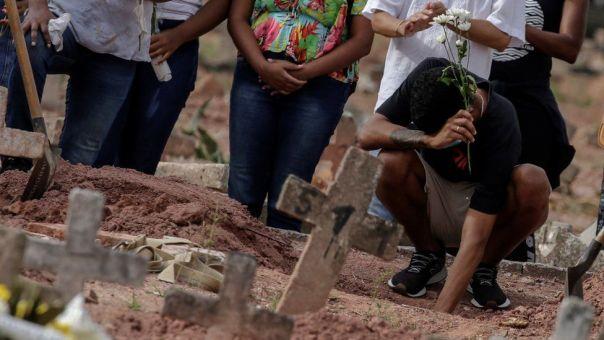 Τραγωδία στη Βραζιλία: Κοντά στους 500.000 θανάτους από κορωνοϊό η χώρα
