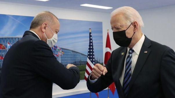 Λευκός Οίκος: Δεν βρέθηκε λύση για τους S-400 στη συνάντηση Μπάιντεν - Ερντογάν