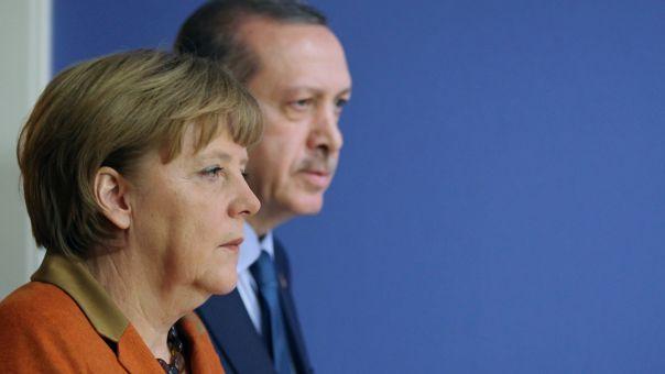 Γερμανικά ΜΜΕ: Μέρκελ, μεγαλύτερο στήριγμα για Ερντογάν – Αντίσταση Μακρόν, Μητσοτάκη Κουρτς στη Σύνοδο