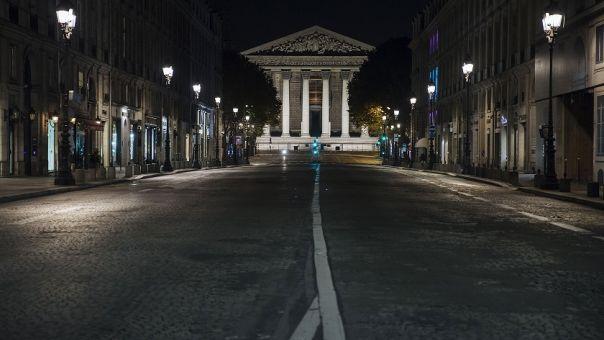 Γαλλία: Άντρας διοργάνωσε πρωτοχρονιάτικο ρέιβ πάρτι με 2.400 άτομα εν μέσω πανδημίας