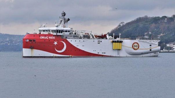 Τραβά το σχοινί η Τουρκία: Σε εντελώς τουρκική υφαλοκρηπίδα η Navtex για το Ορούτς Ρέις