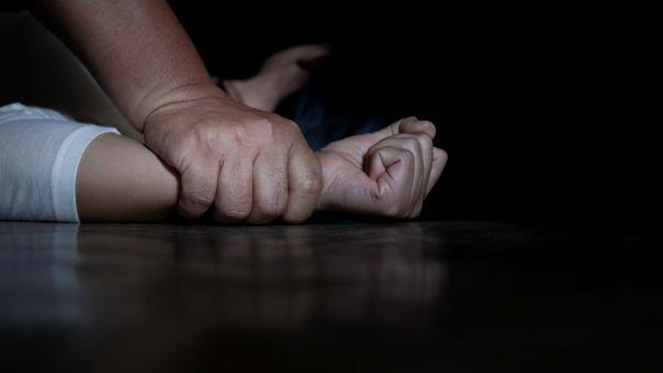 Σοκ στη Θεσσαλονίκη: Πατέρας ασελγούσε στις κόρες του - Ο σύζυγος της μίας την εξέδιδε