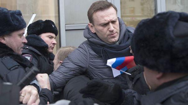 Ρωσία: «Τεχνητή» η απήχηση της σύλληψης Ναβάλνι - Προσαγωγή σε ακροαματική διαδικασία
